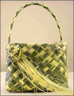 weaving flax instructions kete