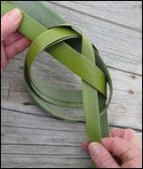 weaving a flax fantail step 10