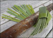 weaving a flax fantail step 29